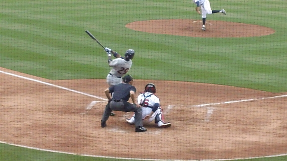Melky Mesa swinging.