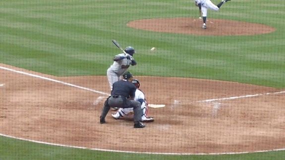 Looks like Ronnie Mustelier at the plate.