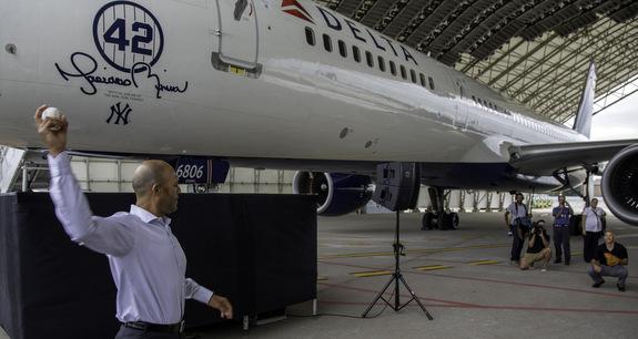 Delta dedicated a 757 to Mariano Rivera on Friday. nbd. (DKC News)