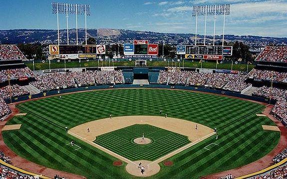 See? The Coliseum wasn't so bad before Mount Davis. (Baseball Feelings)