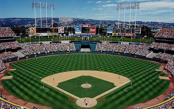 See? The Coliseum wasn't so bad before Mount Davis. (Baseball Feelings)