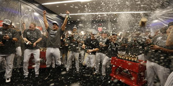 I (also) love this photo so much. (@Yankees)