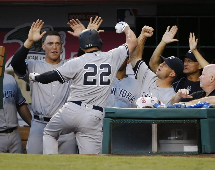 Yankees-celebrate-game-1-e1471816163203