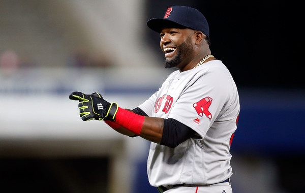 Ortiz honored by Yankees with painting, book of letters