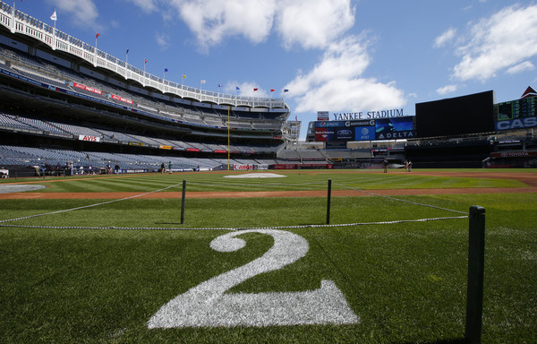 Derek Jeter's No. 2 retired by Yankees in pregame ceremony