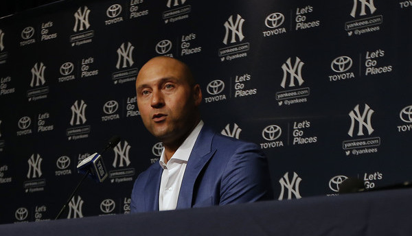 Marlins sign agreement to sell to Jeter group