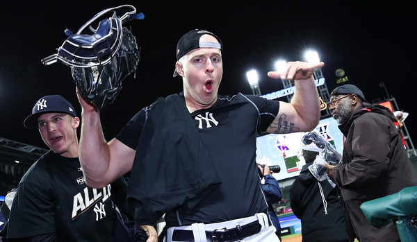 Kratz isn't here to play, he's here to party. (Gregory Shamus/Getty)