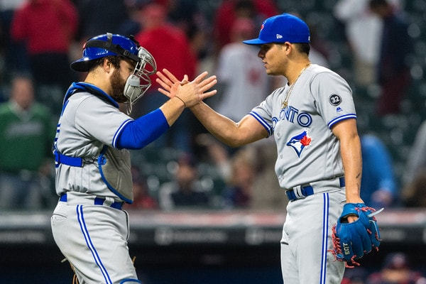 Yankees can't silence Jays' bats in 8-5 loss