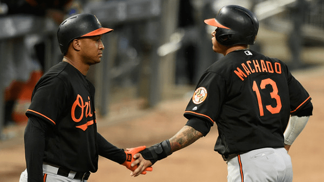 Brewers continuing to push for Manny Machado