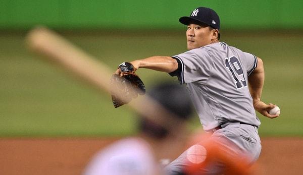 Yankees' Chapman concerned by knee injury